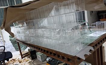 有机玻璃加工制作现场